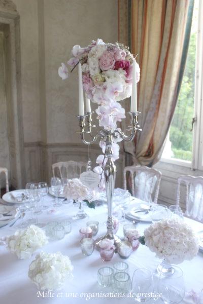 Centre de table chandelier Bouquet de mariée design floral bouquet romantique décoration florale mariage fleurs mariage fleuriste mariage aurelie lafond-doligniere fleurs d'un jour www.fleursdunjour.fr
