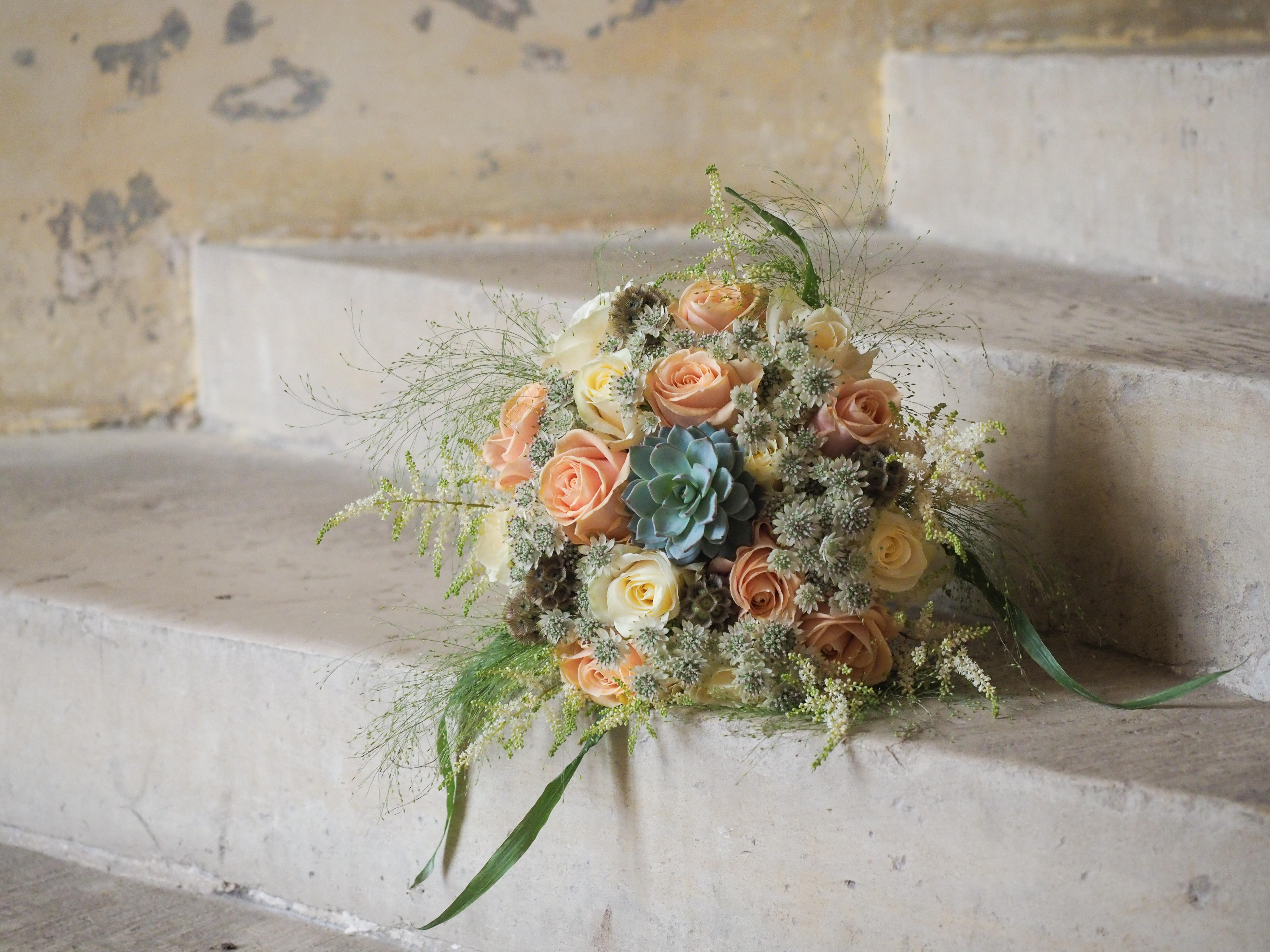 bouquet de mariée mariage champêtre chateau de vallery décoration château de vallery fleurs mariage