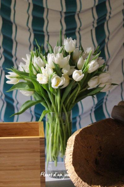 Mariage château de Vallery, salle des tentures, www.fleursdunjour.fr