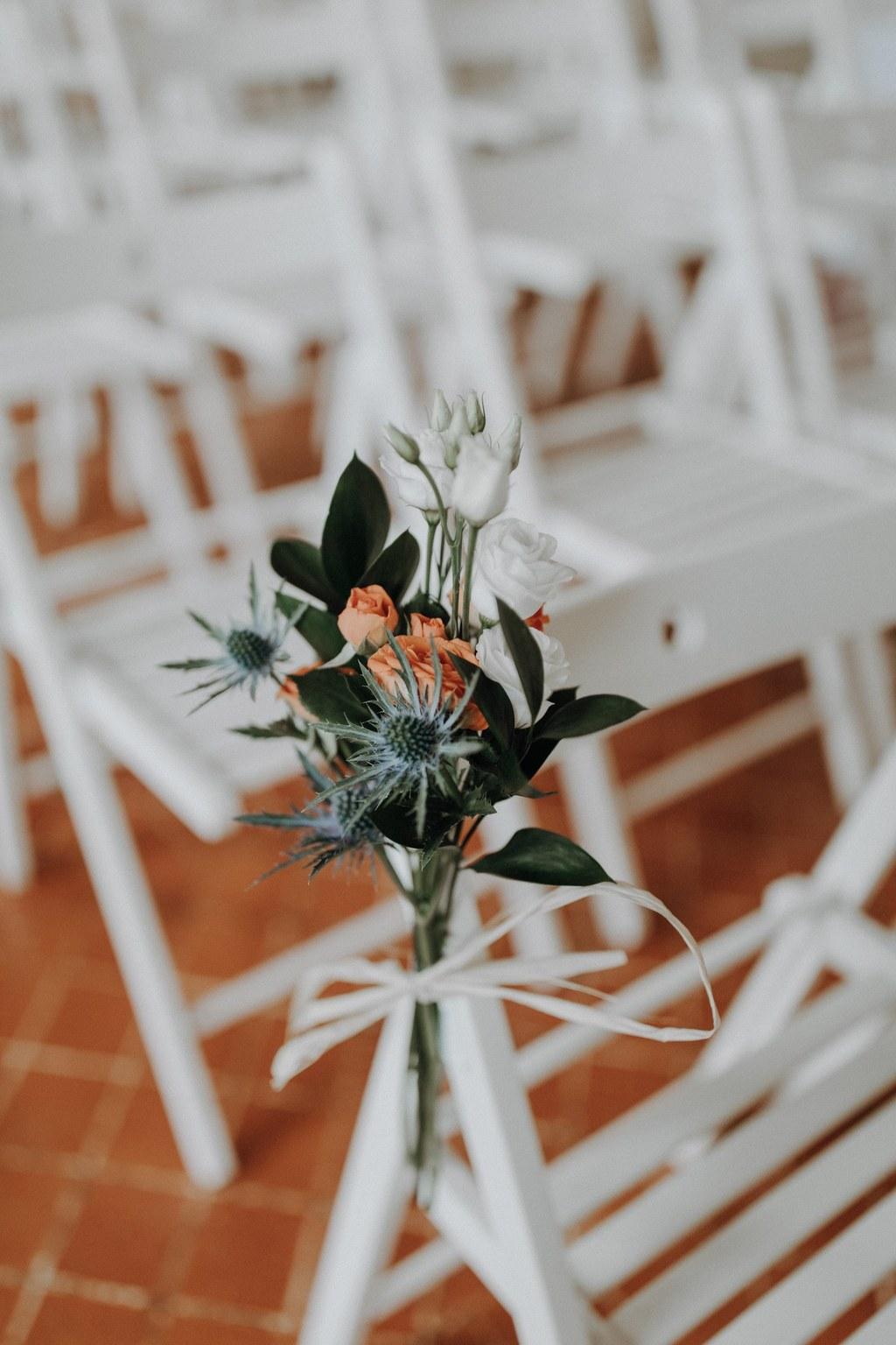 bouquet de mariée château de Vallery mariage au château de Vallery design floral aurélie lafond doligniere fleurs d'un jour mariage décoratrice mariage grande galerie château de Vallery fleuriste mariage Crédit photo: nickoandkim.fr