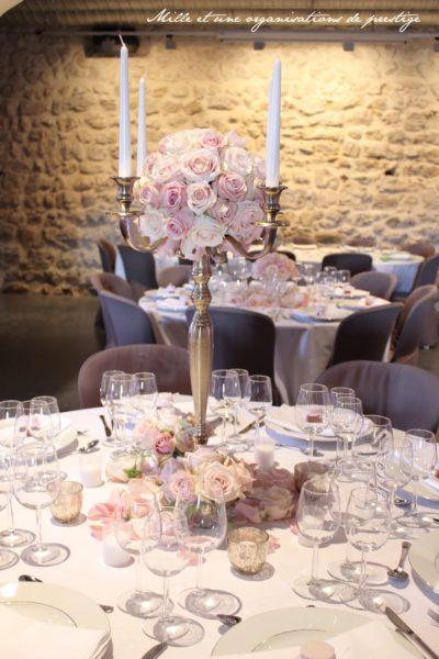 Chandelier centre de table mariage design floral bouquet romantique décoration florale mariage fleurs mariage fleuriste mariage aurelie lafond-doligniere fleurs d'un jour www.fleursdunjour.fr