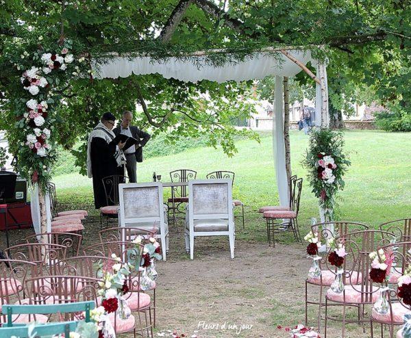 Houppa chateau de Vallery Cérémonie Sycomore fleurs mariage Chateau de Vallery Décoration florale fleurs d'un jour