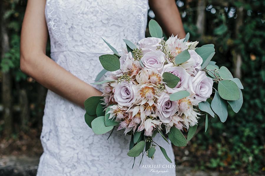 Bouquet de mariée écuries du gatinais cérémonie laïque arche fleuriste mariage chateau de Vallery Paris décoration florale fleurs mariage mariage fleurs d'un jour