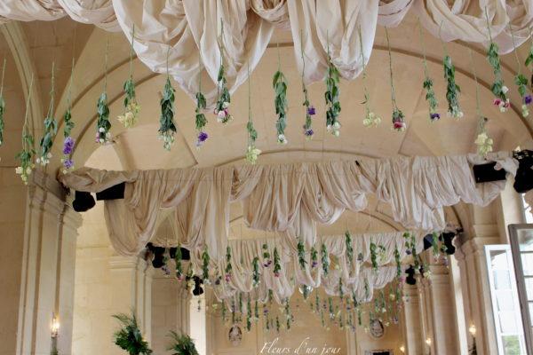 bouquet de mariée château de Vallery mariage au château de Vallery design floral aurélie lafond doligniere fleurs d'un jour mariage décoratrice mariage grande galerie château de Vallery
